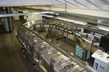 Empty can handling system